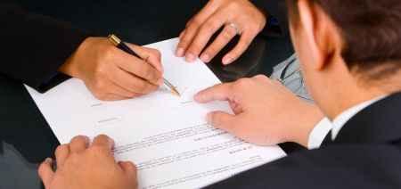разработка или составление договоров